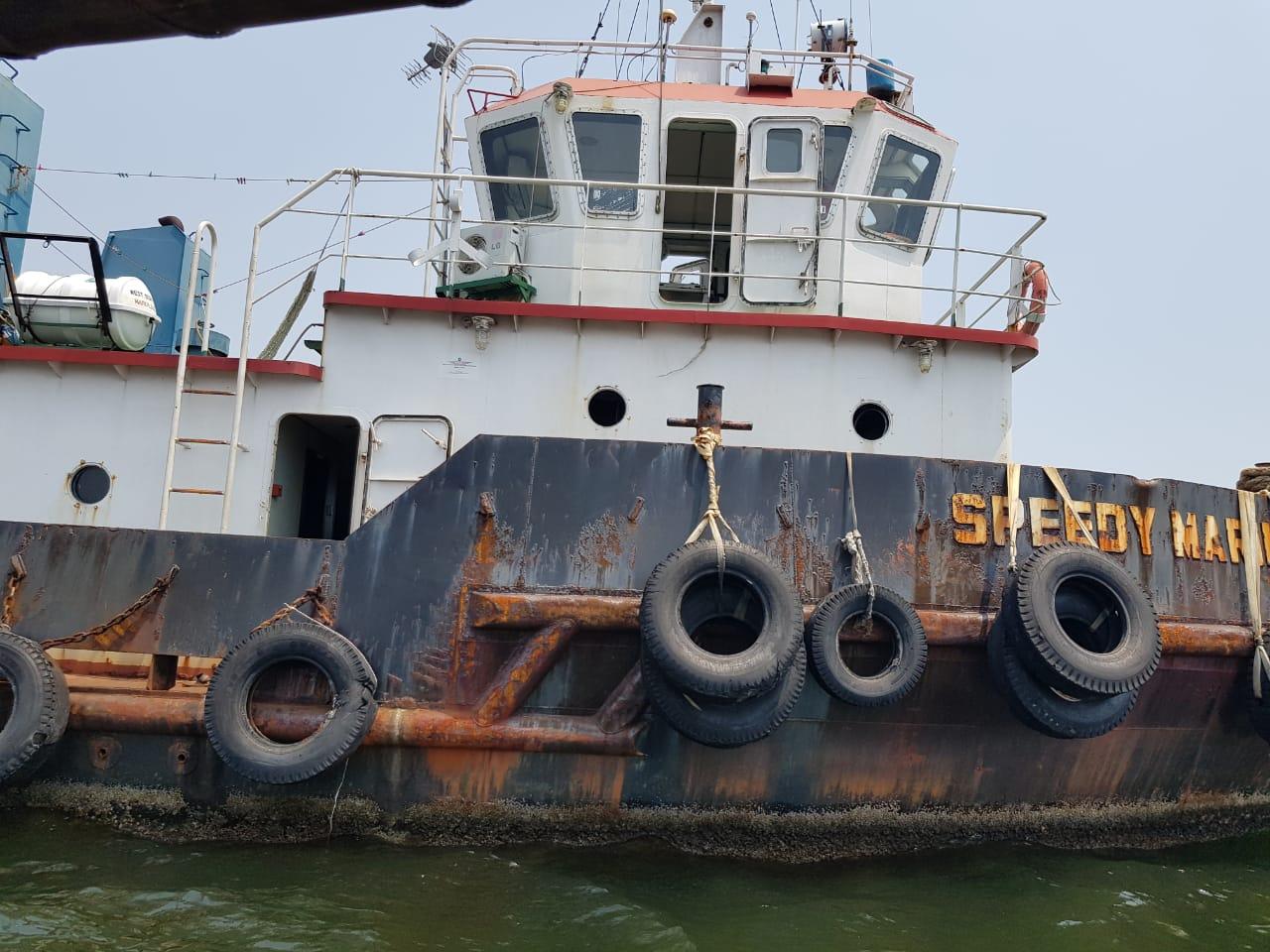 tugboat dengan 180 feet stantion