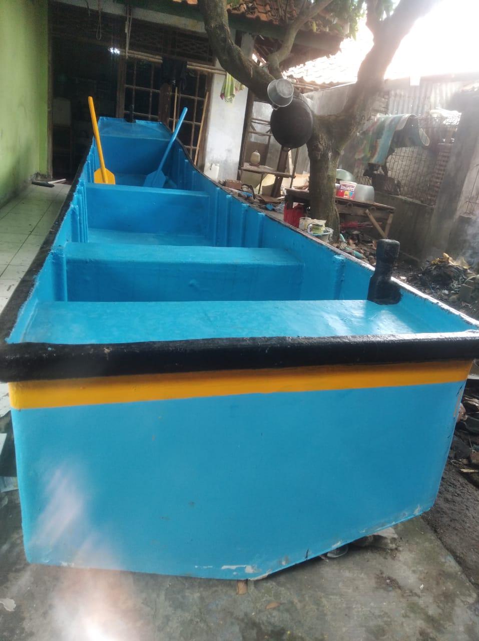 Produksi Kapal fiberglas