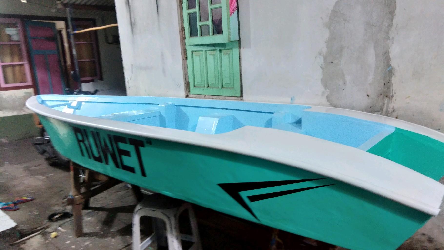 kano boat